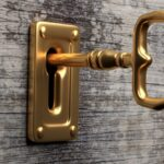"Unlock Interviewing Success: The perfect way to respond to ""Tell me about yourself"""